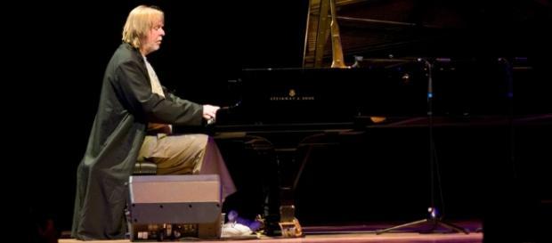 RICK WAKEMAN PIANO ACOUSTIC AL TEATRO ANTICO DI TAORMINA. UNICA ... - blogspot.com