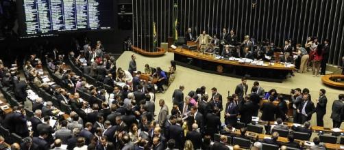 Câmara dos Deputados votam pela reforma trabalhista