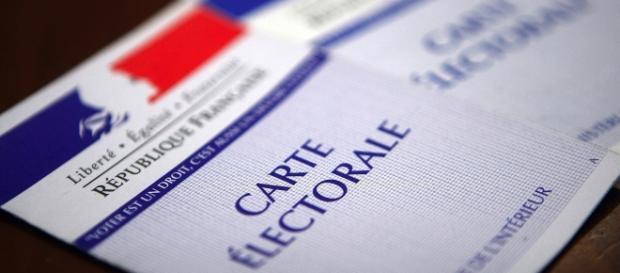 Elezioni Francia 2017, ultimi sondaggi al fotofinish