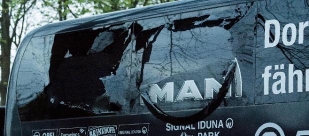 Fotos] Así quedó el bus del Borussia Dormund tras ataque con ... - com.co