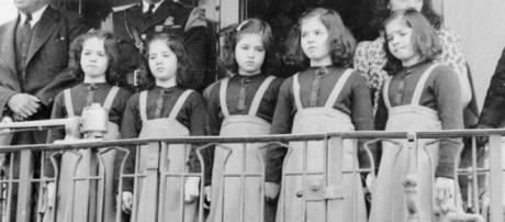 A bizarra e cruel história das irmãs Dionne
