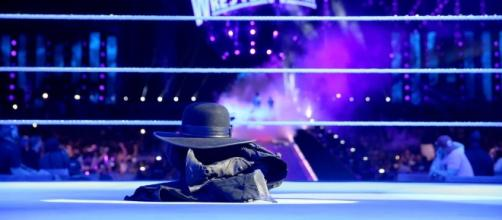 El Undertaker parece haber puesto punto final a una carrera legendaria. WWE.com.