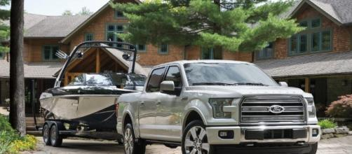 "Is This Ford F-150 Ad a Counter Punch to the Chevy Silverado ""Rock ... - tfltruck.com"