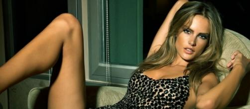 Alessandra é considerada por muitos a mulher mais sensual do mundo
