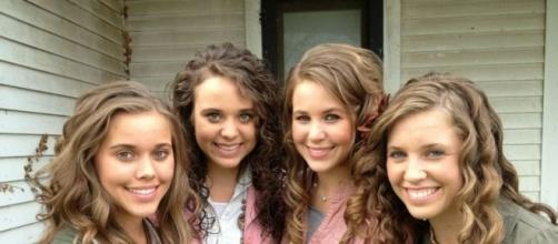 Duggar daughters photo via BN library