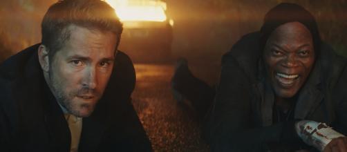 Hitman's Bodyguard Trailer Teams Samuel L. Jackson & Ryan Reynolds - movieweb.com