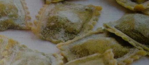 Ravioli di farro con fagioli e gamberetti
