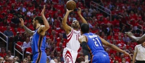 Rockets surge past Thunder in 4th quarter to take 2-0 series lead ... - houstonchronicle.com