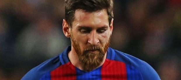 Leo Messi triste tras la eliminación de Champions
