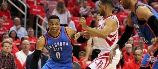 Los 51 puntos de Westbrook no fueron suficientes en Houston