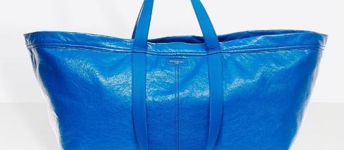 Balenciaga copia la bolsa de Ikea y la pone a la venta por 1.700 euros - lavozdegalicia.es