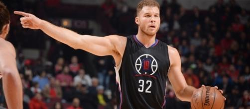 Blake Griffin injury news: Clippers F (hand fracture) out 'weeks ... - si.com