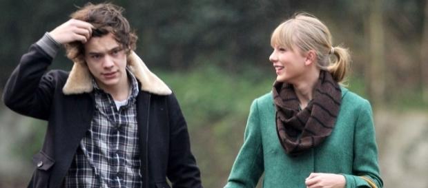 Os dois cantores tiveram um curto relacionamento