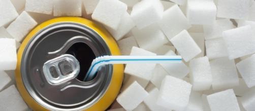 bibite zuccherate e prodotti diet invecchiano il cervello