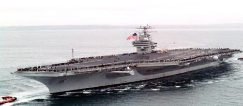 Le 23 janvier 2002, l'USS Carl Vinson rentre à Pearl Harbor après 6 mois de déploiement