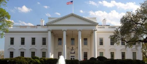 Michelle Obama enseña la Casa Blanca a Melania Trump | El Dictamen - eldictamen.mx