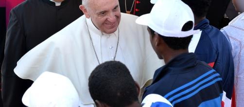 Papa Francesco tra i migranti a Lampedusa