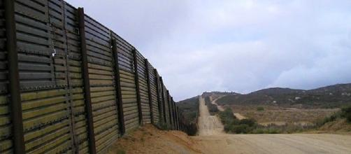 Survey of Texans in Congress finds little support for full border ... - valleycentral.com