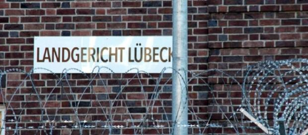 Acusados foram levados para a cadeia de Lübeck, na Alemanha