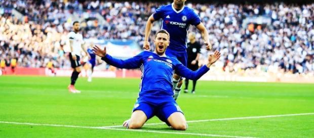 Hazard entró para ser el héroe del partido
