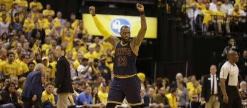 LeBron James, Cavaliers come from 26 down to beat Pacers - Houston ... - chron.com