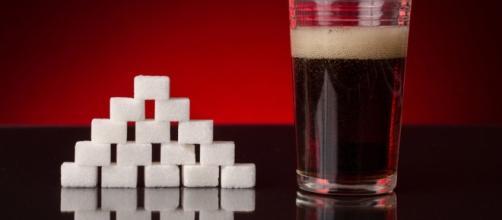Lo zucchero contenuto nelle bibite invecchia il cervello