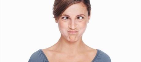 Comportamentos que deixam uma mulher menor atraente.