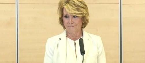 Esperanza Aguirre anunciando su dimisión