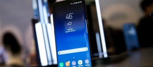 Samsung Galaxy S8 Update: Verizon & T-Mobile Models Get New ... - inquisitr.com