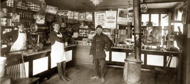 Grocer's shops in Detroit, Michigan, 1922