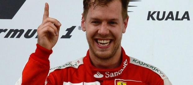 Por qué Vettel celebra sus victorias con el dedo índice ... - soymotor.com