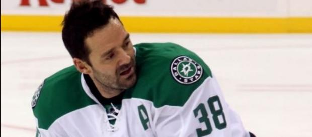 Vernon Fiddler, Wikimedia Commons https://commons.wikimedia.org/wiki/File:Vernon_Fiddler_-_Dallas_Stars.jpg