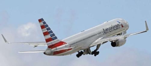 American Airlines trata de aprender del error de United - Laredo ... - lmtonline.com