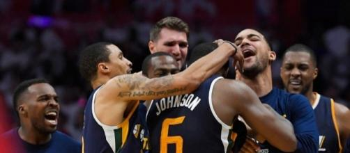 Johnson's drive at buzzer lifts Jazz over Clippers in Game 1 ... - philstar.com