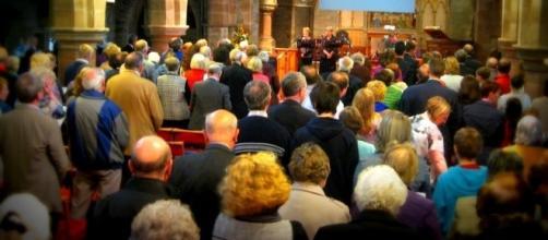 Lies people tell in church - Photo: Blasting News Library - stjohnshartford.org
