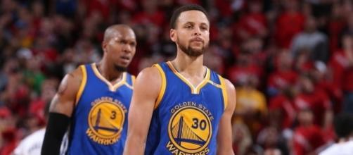 Stephen Curry anotó 37 puntos frente a los Blazers. Fuente: NBA.com