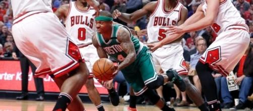 Thomas scores 33, Celtics beat Bulls 104-95 to tie series - ABC News - go.com
