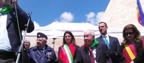 Virginia Raggi al corteo dell'ANPI a Roma (Foto esclusiva BN)