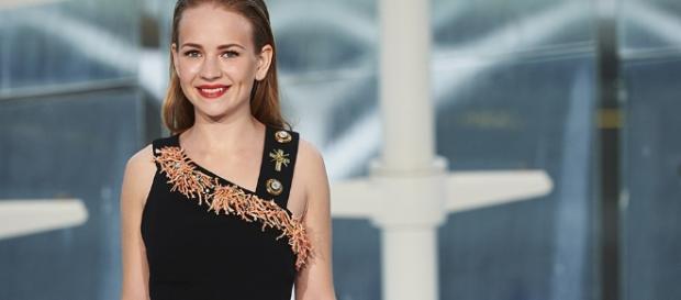 Britt Robertson Will Star in 'Girlboss,' the Nasty Gal Netflix ... - stylecaster.com