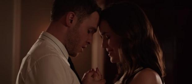 Fitz (Iain De Caestecker) and Simmons (Elizabeth Henstridge) in 'Agents of SHIELD'/Photo via screenshot, 'Agents of SHIELD'/ABC