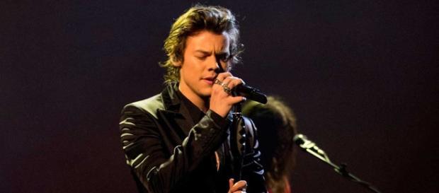 """No se puede negar que """"Sing of the Times"""" es una propuesta arriesgada para un cantante de Pop"""