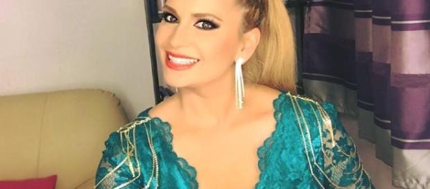 """Paula Chirilă este susținută de fani pentru a prezenta emisiunea """"Jumătatea mea"""""""