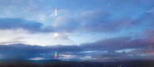 Sopra la misteriosa sfera luminosa fotografata a Hessdalen (Norvegia).