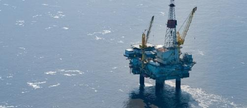 Stopping Oil and Gas Drilling | Earthjustice / Photo by earthjustice.org via Blasting News library