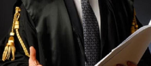 Concorsi per avvocati e laureati in giurisprudenza - entercv.com
