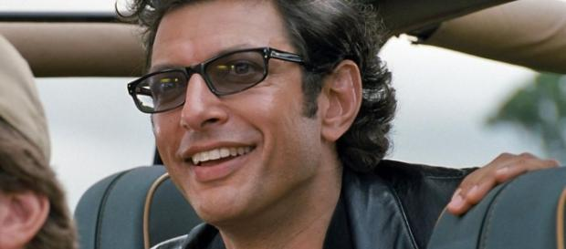 Jeff Goldblum as Ian Malcolm in 'Jurassic Park' (1993) / from 'Jurassic World 2 Movie' - jurassicworld2movie.com