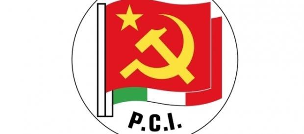Lo storico simbolo del Partico Comunista Italiano