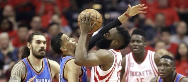 Rockets advance with 105-99 win over Thunder | NEWS102.3 & AM740 ... - krmg.com