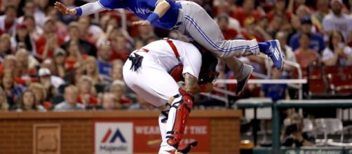 Chris Coghlan went airborne for an unbelievable head-first dive ... - usatoday.com