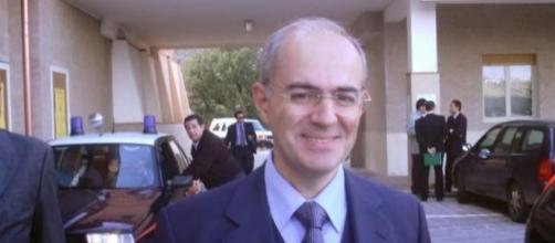 Il procuratore di Catania Carmelo Zuccaro ribadisce e rafforza le accuse contro le Ong